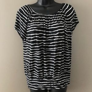 Black and white top, Daisy Fuentes- Size M